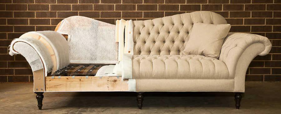 Tapizado e interior de sofá a restaurar.